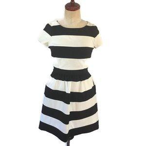 Elle Black & White Striped Dress Sz 4